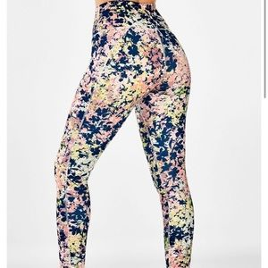 Fabletics High-Waisted Printed Pureluxe 7/8